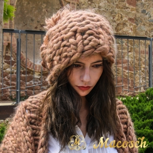 Gorro XXL oversize con pompon lana gruesa beige