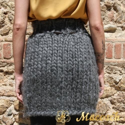 Falda tulipan punto lana gruesa