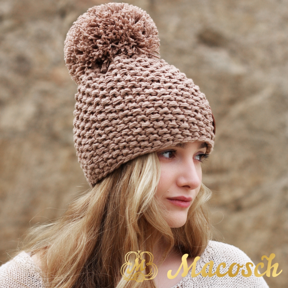 Cotton beige beanie with pom pom