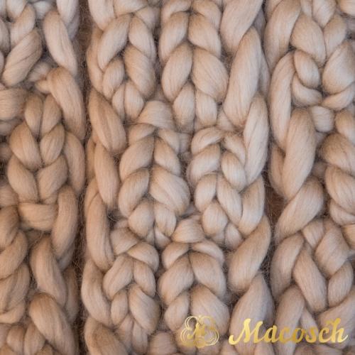 Pom pom 100% merino wool bulky knit scarf