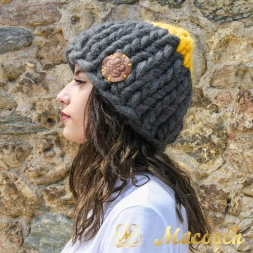 Dark gray + mustard beanie - big knit yarn 100% merino wool