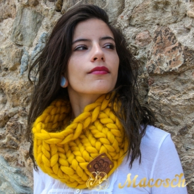 Snood - big knit yarn 100% merino wool